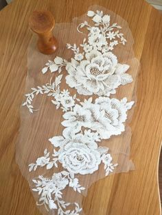 Exquisite Cotton Lace Applique Cream EmbroideryWedding by lacetime Border Embroidery Designs, Embroidery Patterns Free, Lace Patterns, Sewing Patterns Free, Hand Embroidery Flowers, White Embroidery, Wedding Ideias, Linens And Lace, Bridal Lace