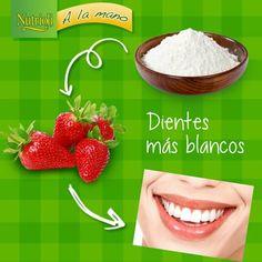 """¿Quieres mejorar el aspecto de tu sonrisa?  Muele una fresa fresca con media cucharada de bicarbonato de sodio, aplica la mezcla en tus dientes y déjala por 5 minutos. Enjuaga y lávate los dientes como acostumbras.   Notarás tus dientes más blancos, ¡otra razón más para sonreír!   Dale """"me gusta"""" si vas a utilizar este tip (: Nutrition Tips, Health Tips, Tips Belleza, Belleza Natural, Teeth, Beauty Makeup, Beauty Hacks, Healthy, Face"""