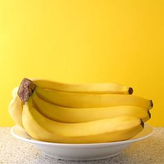 Banana Bananas make a great snack, and at pH theyre usually great for people with acid reflux. However, about of acid refluxers find that their condition is worsened by bananas. So keep in mind that what works for most people may not work for you. Acid Reflux Cure, Acid Reflux Recipes, Acid Reflux Remedies, Eating After Workout, Food For Sleep, High Potassium Foods, Home Remedies For Heartburn, Heartburn Relief, Yellow
