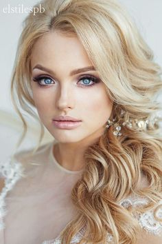 Loose curls and side swept bridal hair ~ we ❤ this! moncheribridals.com