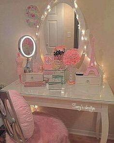 Makeup Vanity Storage, Makeup Vanity Decor, Makeup Rooms, Vanity Desk, Makeup Organization, Kids Dressing Table, Dressing Table Design, Dressing Room, Girls Bedroom