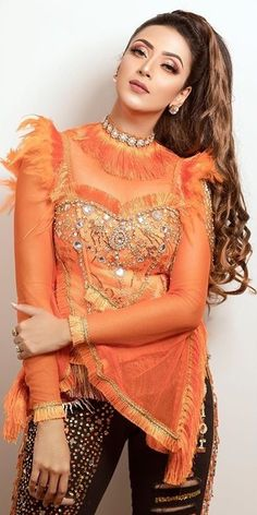 Beautiful Bollywood Actress, Most Beautiful Indian Actress, Beautiful Actresses, Pakistani Dress Design, Pakistani Dresses, Mim Photo, Digital India, Twitter Cover, Top Celebrities