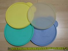 4 Tupperware C Lids 2541A Blue Yellow Clear Green Free Shipping Canada & USA EUC