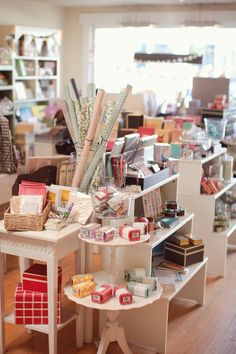 Urbanic Paper Boutique//1644 Abbot Kinney Blvd  Venice, CA 90291//Fabulous stationary shop