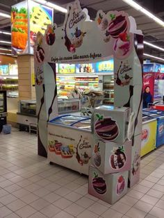 Ice Cream Displays, The King's Brand Provides an In-Store Carnival Experience #experientialretail #marketing #roadshows