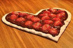 Pizza Coração de Chocolate e Morango