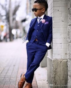 Royal Blue Boy Wedding Tuxedos 2019 Two Button Notched Lapel Kids Party Suit Ring Bearer Suits( jacketpantsvesttie) Royal Blue Suit Wedding, Black Tuxedo Wedding, Unique Tuxedos, Blue Suit Men, Blue Suits, Wedding Outfit For Boys, Formal Dresses For Men, Formal Wear, Kid Styles
