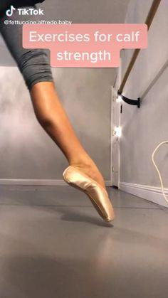 Ballerina Workout, Dancer Workout, Flexibility Dance, Flexibility Workout, Gymnastics Videos, Gymnastics Workout, Gym Workout For Beginners, Workout Videos, Ballet Stretches