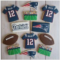 "Jessica Edwards on Instagram: ""Made some Patriots cookies for my boyfriend! 🏈🏈🏈 #decoratedcookies #superbowlcookies #patriots #yxe #inkandelmbackdrops"""