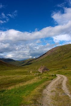 Higland Scotland  It wasn't until we got to the Highlands, that  I knew we were in Scotland.