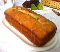 Esse foi um dos nossos bolos preferidos dos últimos tempos. A massa é perfeita: fofinha, leve, amanteigada sem ser enjoativa. Tem o azedinh...