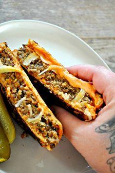The Best Vegan Fall Comfort Food – Rabbit and Wolves - Vegan Sandwich Fall Recipes, Whole Food Recipes, Cooking Recipes, Recipes Dinner, Vegan Foods, Vegan Dishes, Vegan Meals, Yummy Vegan Food, Tasty