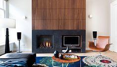 Haard, tv kast, notenhout, vloerkleed | Diana van den Boomen/Kodde Architecten