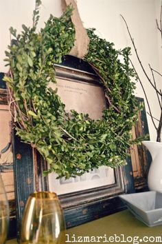 DIY boxwood wreath- lizmarieblog.com