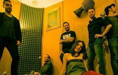 Si fa presto a dire musica indie.  Una chiacchierata con Fabrizio Fontanelli, della band indie Mardi Gras. Ma che significa indie..?  http://rapsodie.it/magazine/si-fa-presto-dire-musica-indie/