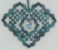 Roz Watnemo - Hardanger Heart Suncatcher 2