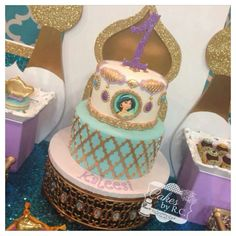 Princess Jasmine cake Jasmine Birthday Cake, Aladdin Birthday Party, 1st Birthday Parties, Birthday Ideas, Princess Jasmine Cake, Disney Princess Party, Princess Birthday, Aladin Disney, Jasmine E Aladdin