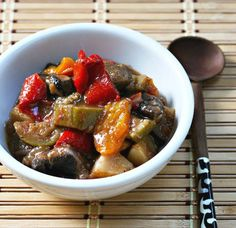 Slow cooker (crockpot) ratatouille makes a great side dish, pasta sauce, omelet filling or rice topper.