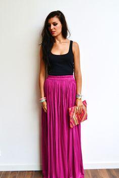 Maxi jupe bohème longue prune en jersey fluide, taille haute et droite tendance été ou hiver style hippie : Jupe par menina-for-mathis