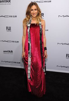 Even Celebs Make Fashion Mistakes - Sarah Jessica Parker's Sex And The City impeccable style is long gone as she stepped out in an unflattering Maison Martin Margiela gown @ amfAR Gala 2013