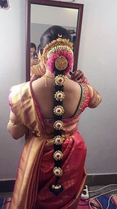 South Indian Wedding Hairstyles, Bridal Hairstyle Indian Wedding, South Indian Bride Hairstyle, Bridal Hairdo, South Indian Weddings, Indian Bridal Wear, Indian Hairstyles, Bride Hairstyles, Wedding Saree Blouse Designs