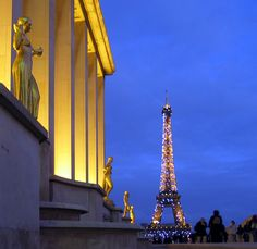 Love the view of the Eiffel Tower from Trocadero - the old work 'hood. Kind of miss seeing this stunning view EVERY day.