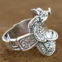 Sterling Silver Saddle ring - finally found them for sale and they're in mens sizing!  Now what man is going to wear that???