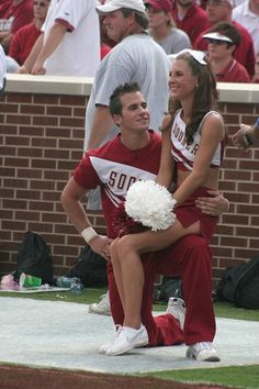 Two cheerleaders from the University of Oklahoma; home state of #spiritaccessories