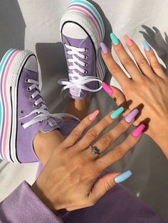 Colorful Life Bright Summer Nails - Hand Nail Design FoR Women Ten Nails, Aycrlic Nails, Hair And Nails, Coffin Nails, Glitter Nails, Kylie Nails, Edgy Nails, Nail Manicure, Nail Polish