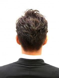 スタイリングで自由自在2ブロックパーマ Beauty Box, Hair Beauty, Business Fashion, Mens Fashion, Men's Hairstyle, Hair Style, Haircuts, Man's Hairstyle, Moda Masculina