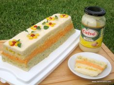 Pastel de pan y atún de colores | Ana en la cocina Sandwich Cake, Sandwiches, Pan Dulce, Food Decoration, Empanadas, Other Recipes, Deli, Vanilla Cake, Mexican Food Recipes