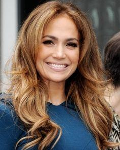 Jennifer Lopez Loose Curls Hairstyle