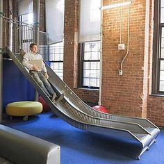 This isn't a case of take the stairs, it's more a case of take the slide. Amazing Gardens, Beautiful Gardens, Fun Office Design, Office Ideas, Outdoor Venues, Outdoor Decor, Google Office, New York Office, Take The Stairs
