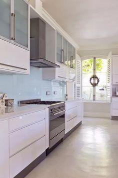 Glass Kitchen Backsplash Pictures New Glass Sheet Kitchen Backsplashes Kitchen Linens, Home Decor Kitchen, Kitchen Furniture, Boho Kitchen, Urban Furniture, Kitchen Redo, Cheap Furniture, Kitchen Storage, Furniture Ideas