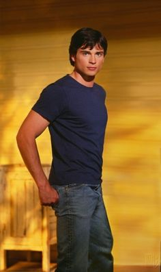 Smallville Season 2 Promo – Tom Welling as Clark Kent Tom Welling Smallville, Smallville Clark Kent, Superman, Et Wallpaper, Vancouver, Tommy Hilfiger, Lex Luthor, New York, Good Looking Men