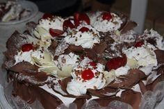 Bolo de chocolate e cereja / Chocolate and cherry cake