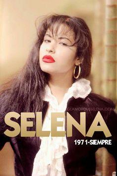 Selena Quintanilla Perez, Selena Quintanilla Birthday, Selena Costume, Selena Mexican, Selena And Chris, Celebrity Makeup Looks, Her Smile, Celebs, Celebrities