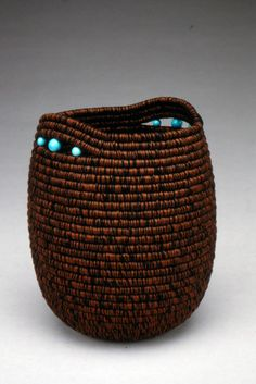 PORTFOLIO | LAURENBRISTOL.COM Rope Basket, Basket Bag, Basket Weaving, Rope Crafts, Twine Crafts, Linen Baskets, St Martin, Making Baskets, Coil Pots