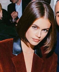 What are you playing? Short Brown Hair, Short Straight Hair, Short Hair Cuts, Bob Hairstyles For Fine Hair, Trending Hairstyles, Fall Hairstyles, Blonde Hairstyles, Hair Up Styles, Natural Hair Styles