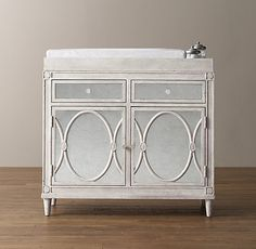 élodie Cabinet Topper