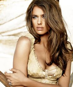 This chick looks cold and terrified but i love her hair hahaha.   great warm brown colour
