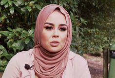 Muslim Crosses Wrong Stylist After Demanding Men Leave So She Can Show Hair