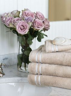 The Lexington Superior Towels embody luxury, quality and performance. Light and soft, yet also thick and plush. Lexington Home, New England Style, Terry Towel, Bathroom Inspiration, Bathroom Ideas, Fine Linens, Visual Merchandising, Home Textile, Scandinavian Design