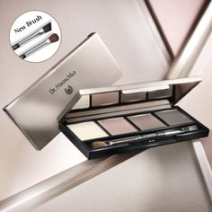 Use Dr. Hauschka Limited Edition Eye & Brow Palette on your eyelids and brows to create a delicate look for daytime or make a dramatic entrance in the evening. You determine what kind of appearance you want to make each day.