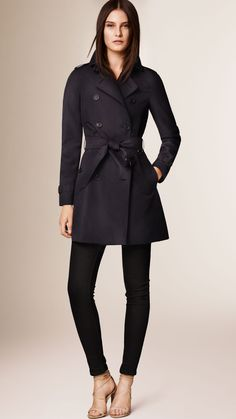 The Westminster - Mid-Length Heritage Trench Coat | Burberry