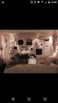 Decoracion Habitacion Ideas, Grunge Bedroom, Emo Bedroom, Hipster Bedroom Decor, Hipster Rooms, White Bedroom, Bedroom Wall, Tumblr Rooms, Tumblr Bedroom