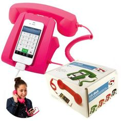 Teens love talking on the phone! Make it fun for them with this old school cell phone hook up! the talk dock connects to almost all smart phones and is a great charging stand! (Tech Gifts For Teens) Birthday Presents For Teens, Teen Presents, Girl Phone Cases, Iphone Cases, Iphone 4, 5s Cases, Wish List For Teens, Retro Phone, Accessoires Iphone