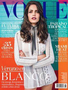 En Vogue México y Latinoamérica llega un verano que exclama calidez, sensualidad, color y energía total. En un vestido de @louisvuitton, @amandawellsh revela en nuestra primera edición dedicada a #Miami las tendencias mágicas de este mes que comienza. Fotografía: #JacquesDequeker Realización: @gfrasson