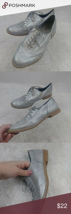 GAP silver oxford loafers Silver GAP oxford loafers. Size 8. Good pre-owned condition. Some obvious wear. See photos. Shoes are very light...not heavy at all. Sole is a foam-like material. GAP Shoes Flats & Loafers