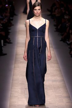 Valentino Spring 2013 Ready-to-Wear Fashion Show - Caroline Brasch Nielsen (Elite)